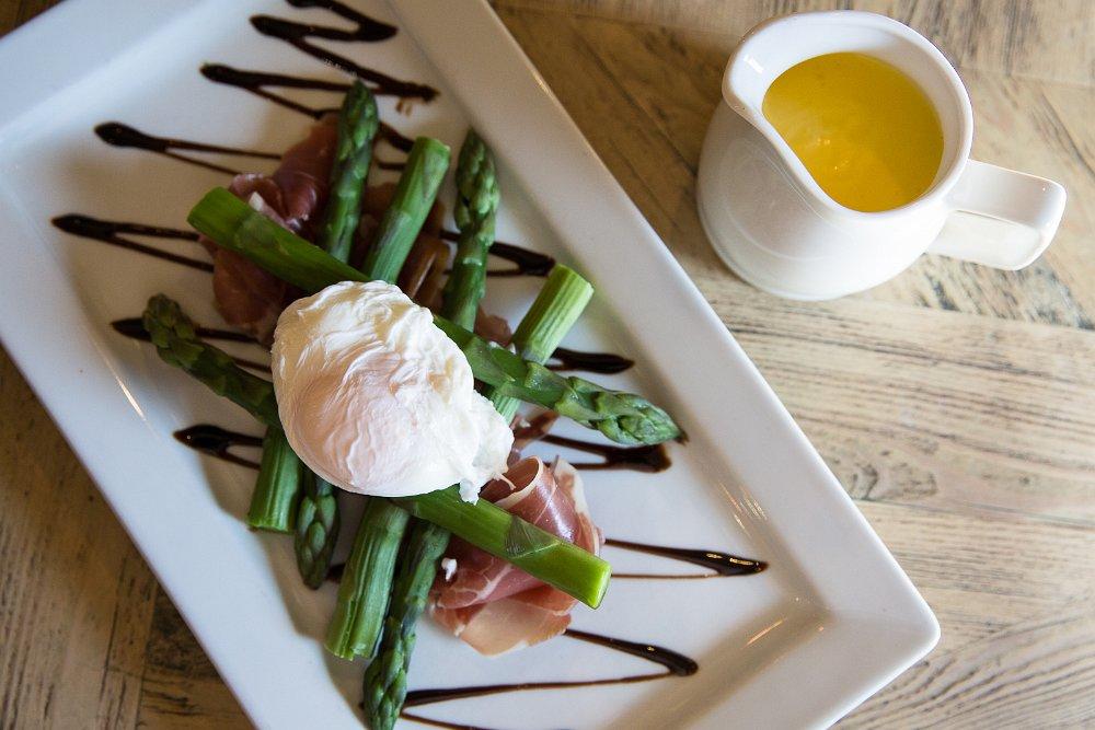 Sharrington asparagus, poached eggs, hollandaise, local marsh pig Parma ham